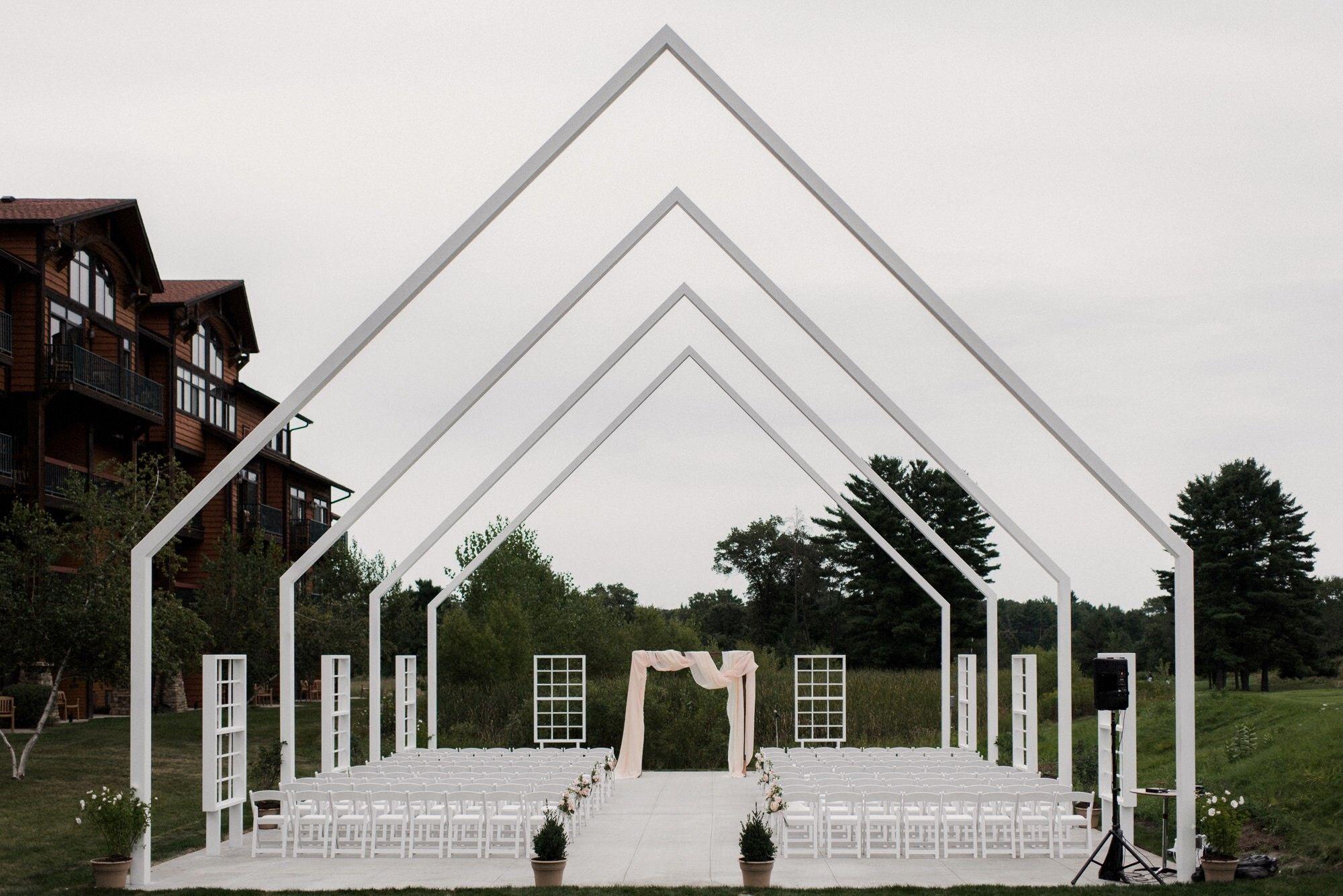 Chula Vista modern outdoor wedding - chapel on the green ...