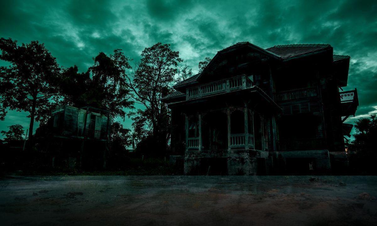 The Dark And Horrible Secret Of Greywater Gardens The 13th Floor The Darkest Sounds Of Birds Dark