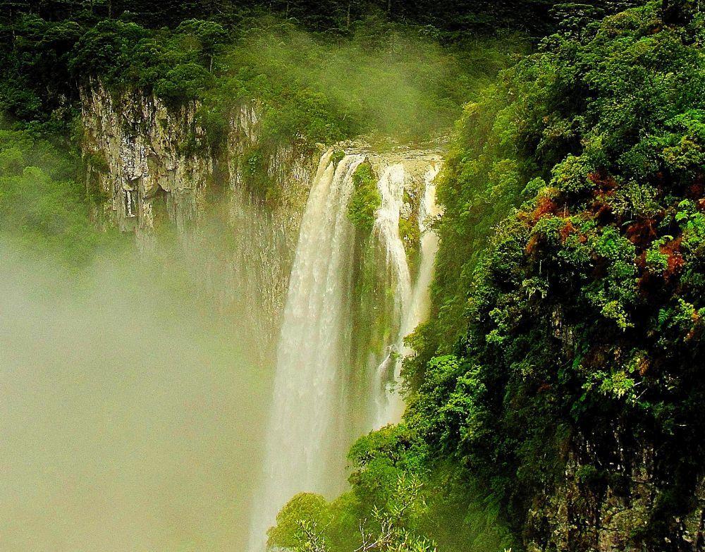 Cachoeira do cânion de Itaimbezinho - RS by valcir.siqueira.7