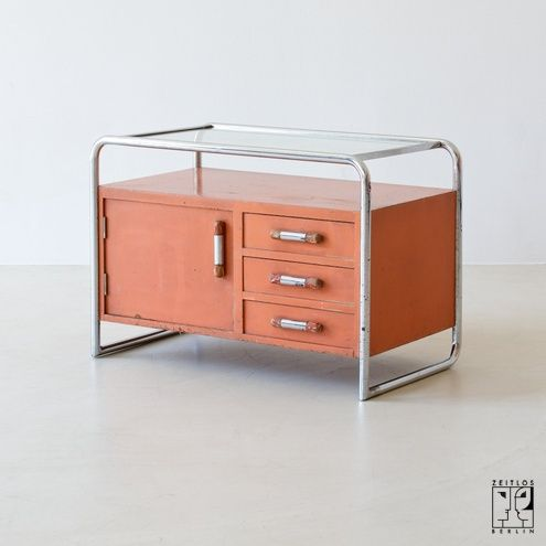 Small bauhaus cabinet by j fenyves for thonet mundus for Mobili bauhaus repliche