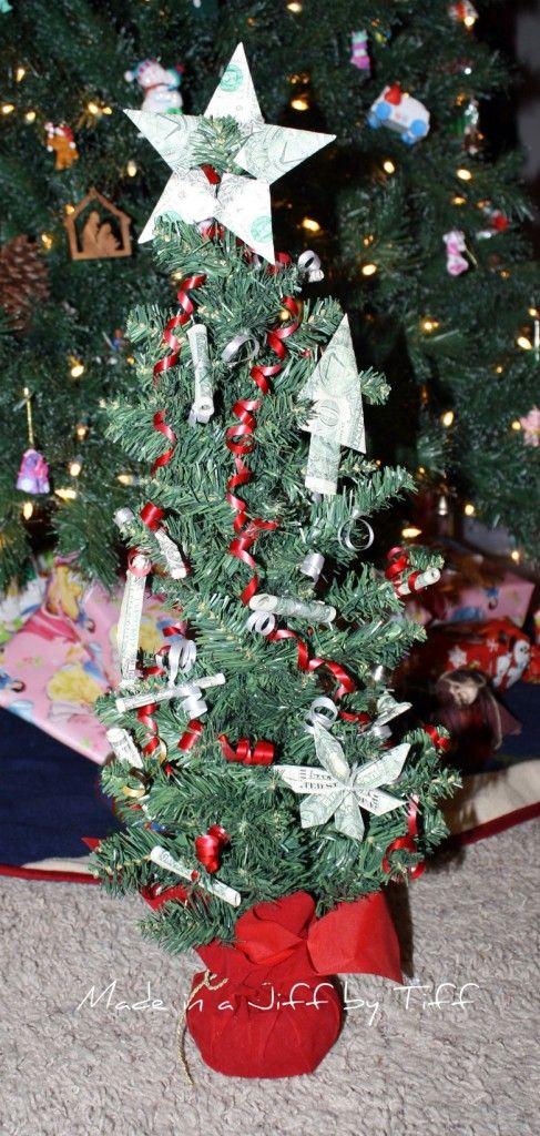 money tree. Click on link for tutorial. http://madeinajiffbytiff.com/category/gift-ideas/
