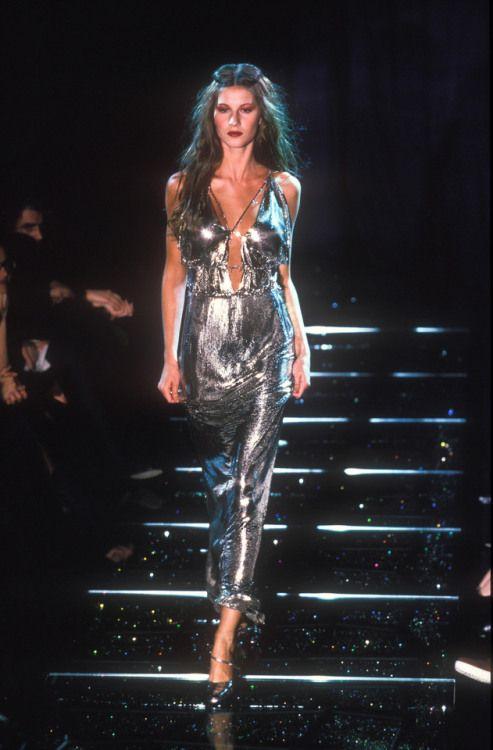 8640316d2 supermodelgiseleb:Gisele @ Versace fall 1998 | Modelos em 2019 ...