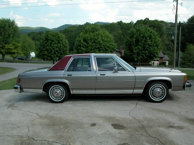 1982 Ford Crown Victoria Four Door Sedan Granddad Bought A Gold One With Gold Vinyl Roof It Had A Buff Co American Classic Cars Ford Crown Victoria For Sale