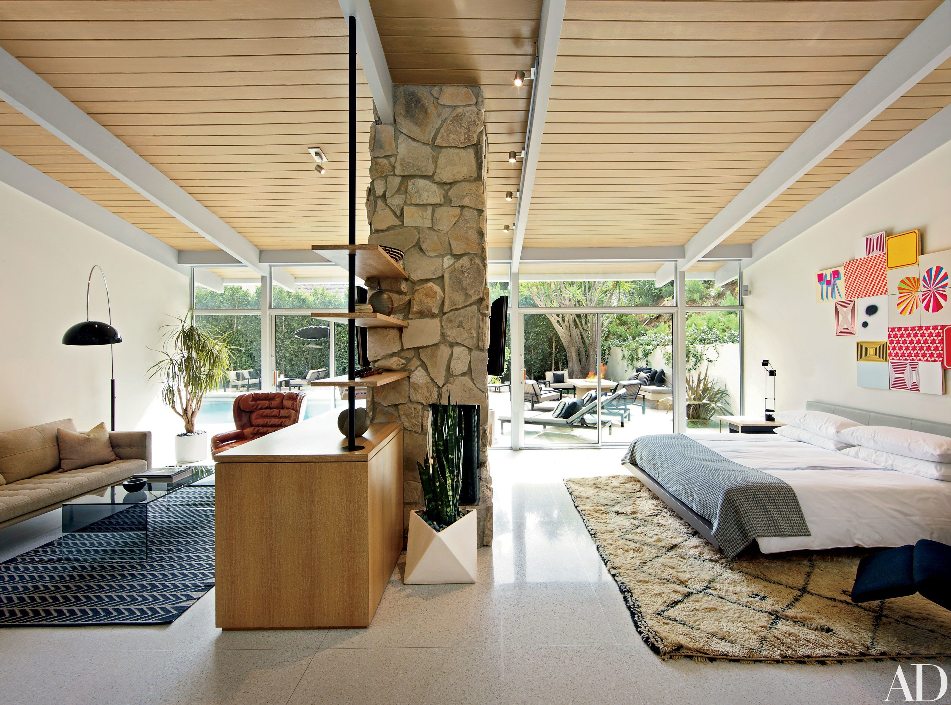 Jennifer aniston home interior hotelier jason pomerancus midcentury home in hollywood  home decor