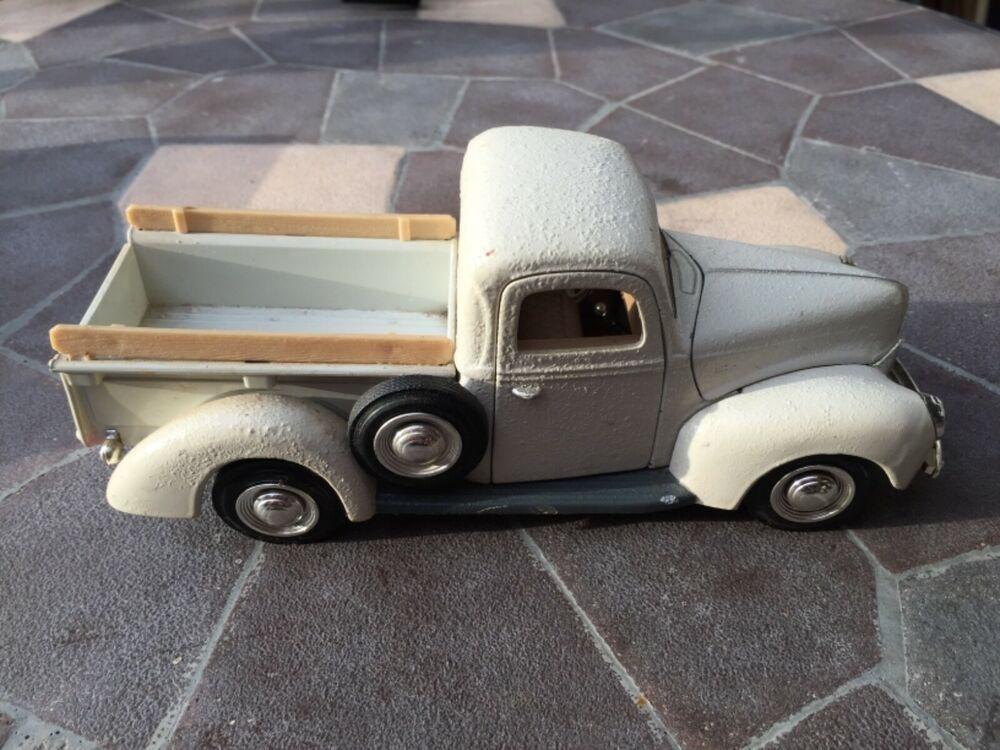 1940 Ford Pickup 1/24 Die Cast No Brand No. 68062