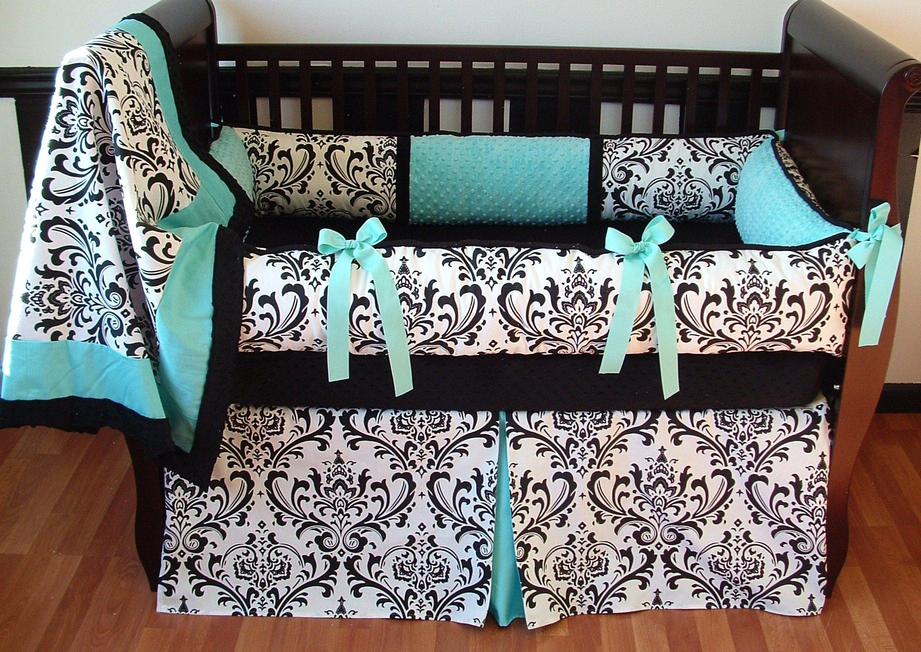 Black and white damask bedding queen - 17 Best Images About Black White And Aqua On Pinterest Turquoise Brass Lamp And Black White Bedrooms