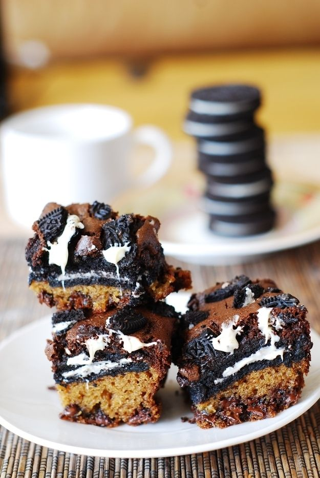 Slutty Brownies with White Chocolate Chips | 21 Desserts That Are Really Excited To See You