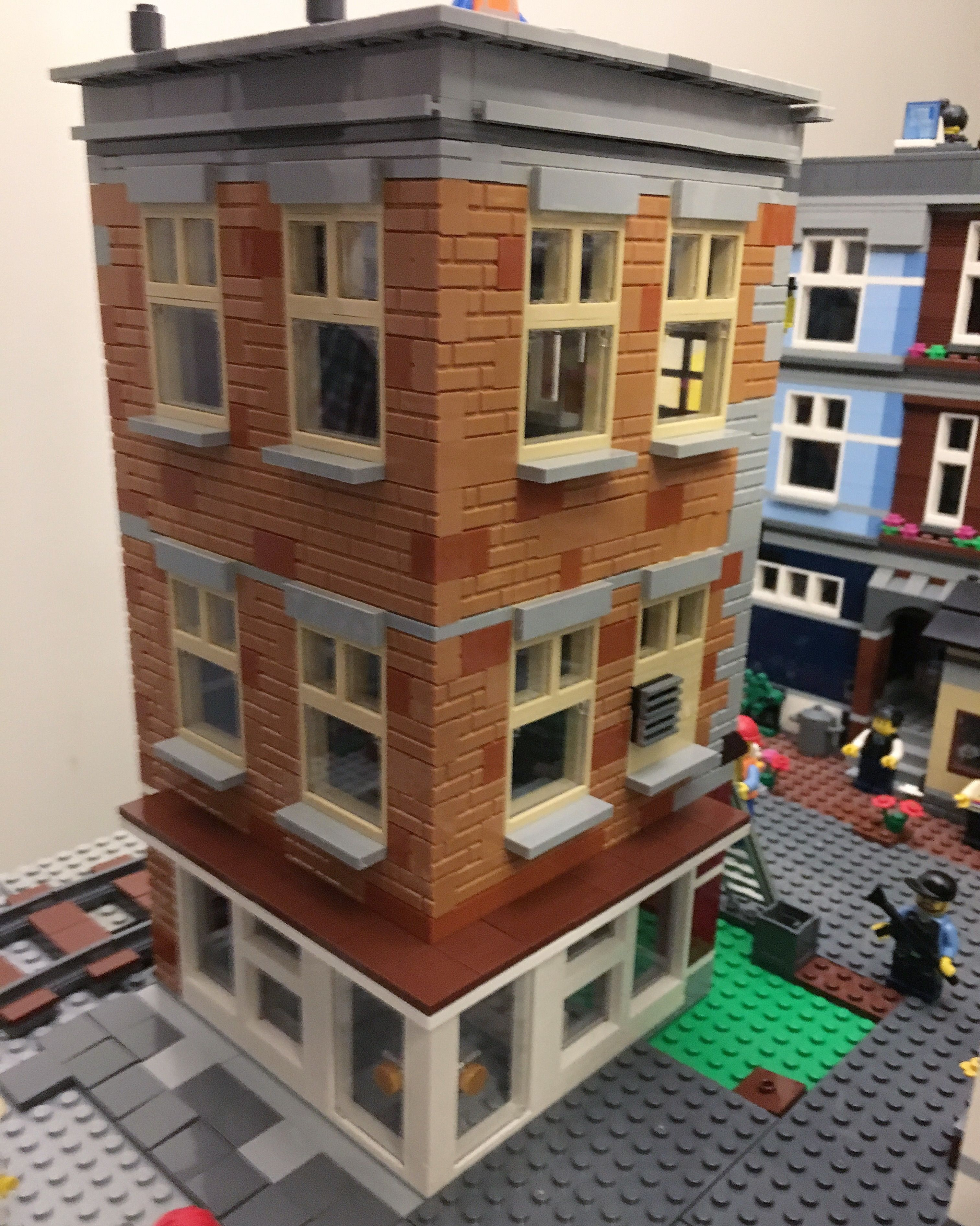 My Own Lego Apartment Building With A Sushi Restaurant Legomoc Legocity House Afol Svenglego Modular New York