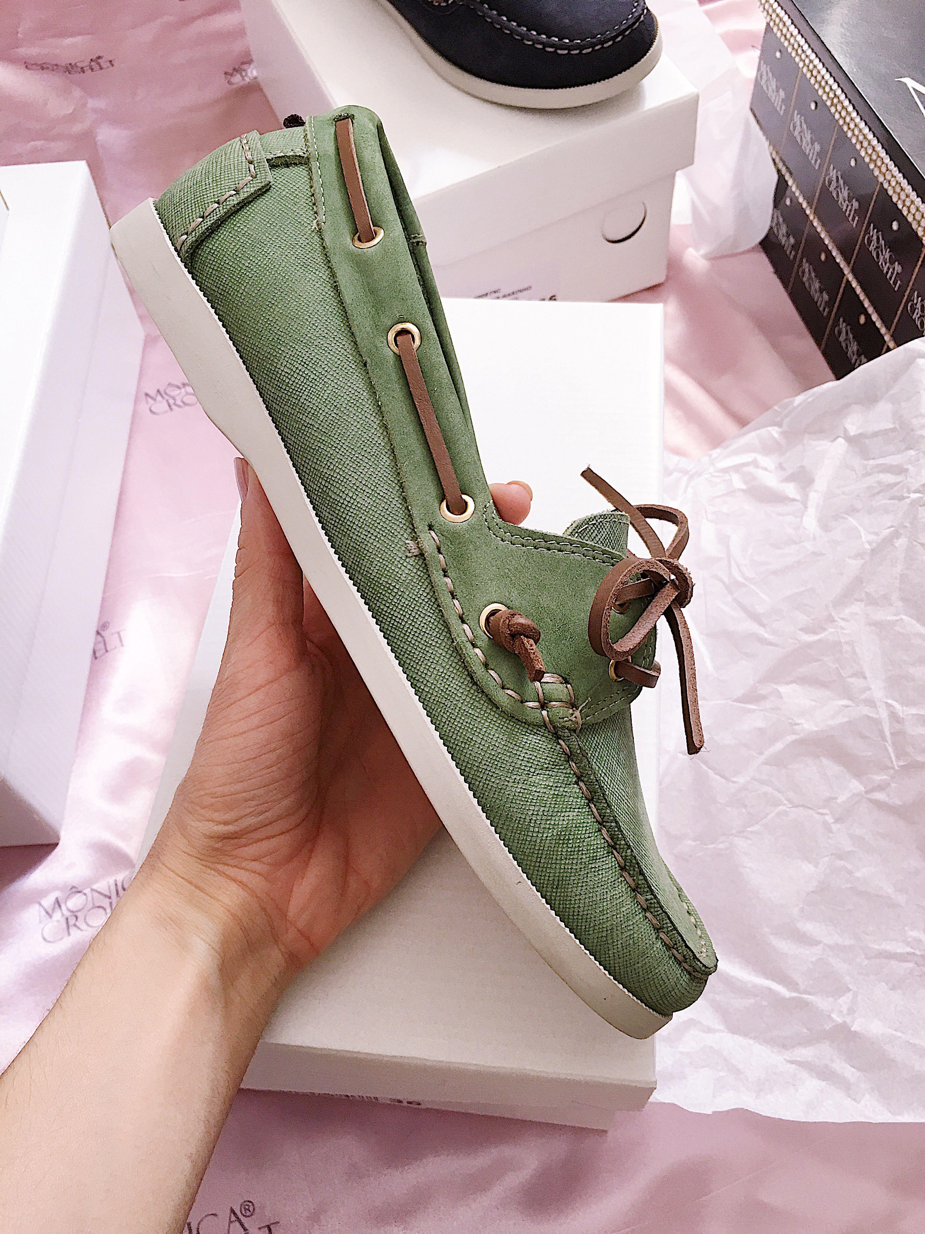 8faec114b Pin de Mônica Croisfelt em Sapato Feminino Mocassim Dockside Drive Conforto  Alto Luxo em 2019   Sneakers, Shoes e Sperrys