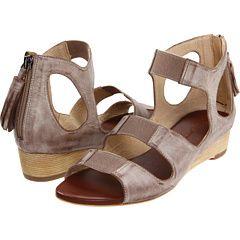 Cameron sandals from Matt Bernson. Ooh la la!