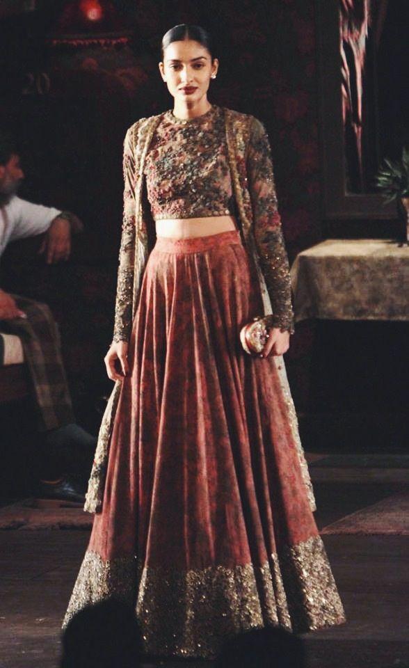 Sabyasachi Mukherjee - India Couture Week 2014 | Wedding ... Sabyasachi Anarkali 2014
