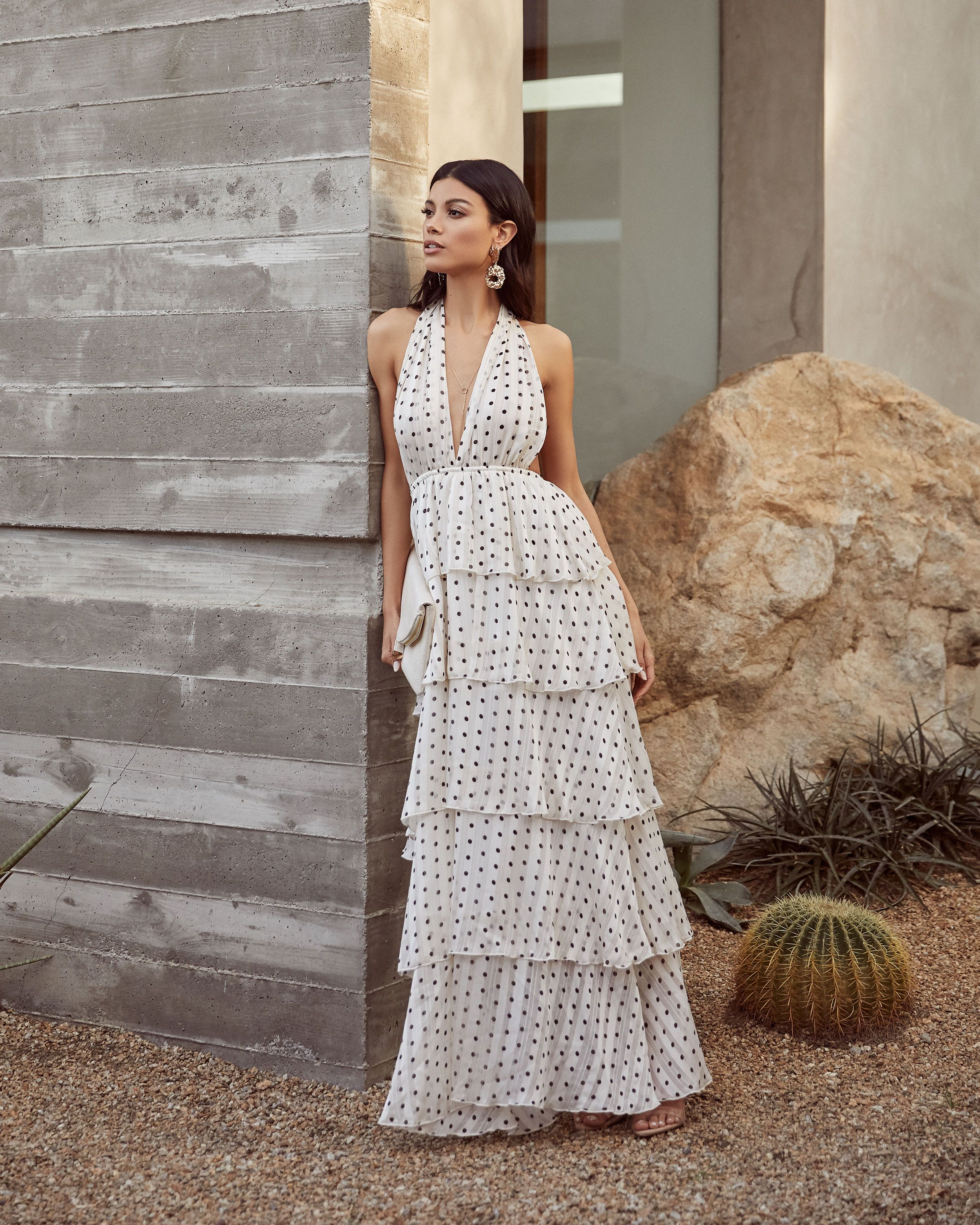 Shop Dresses With Vici Save 20 With Code March20 Maxi Dress Floral Maxi Dress Outfit Polka Dot Maxi Dresses [ 3000 x 2400 Pixel ]