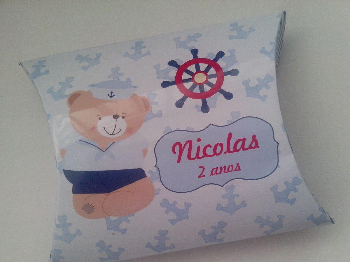 Caixa modelo tipo travesseiro - Fazemos em todos os temas <br>Pode ser listrado em azul marinho ou vermelho