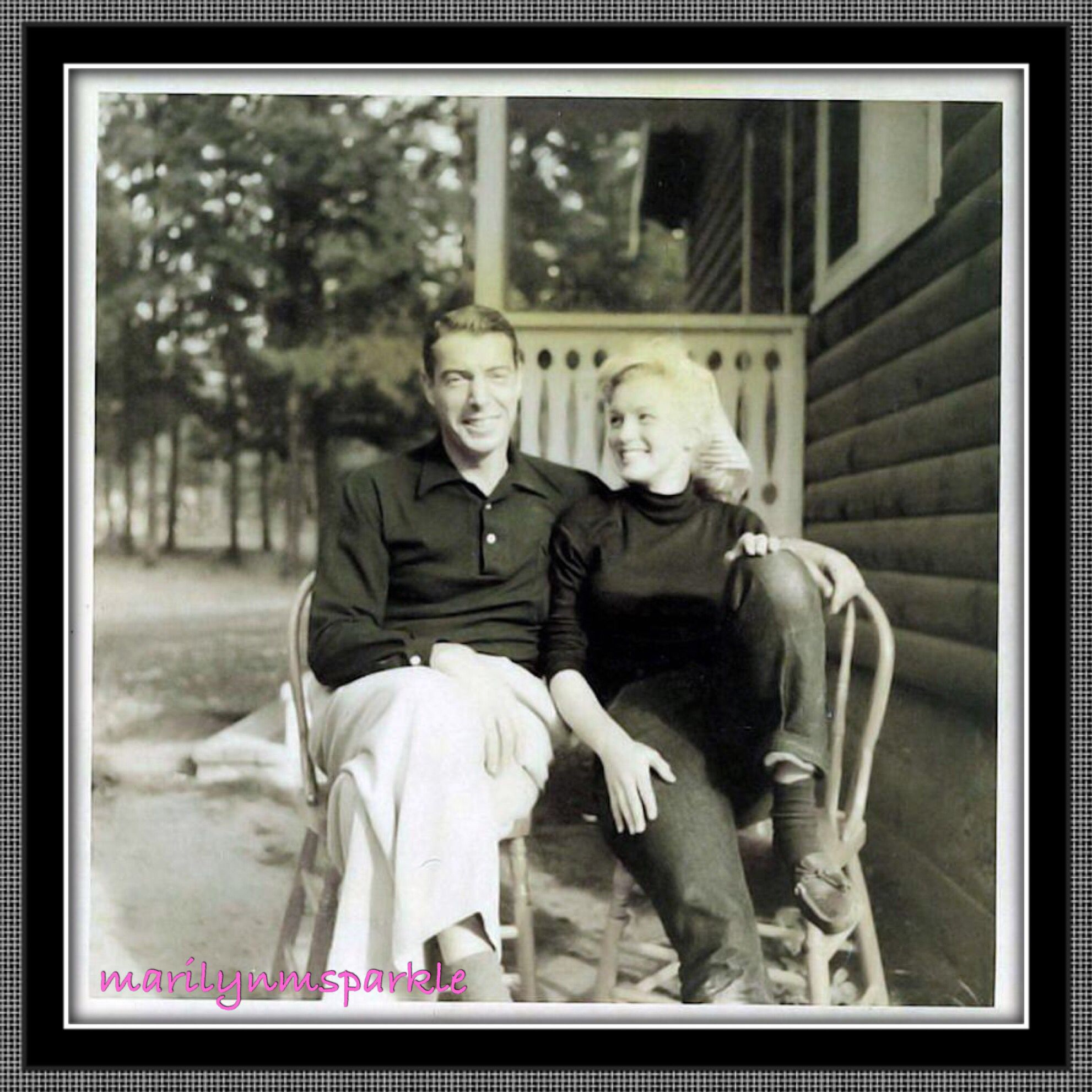 Monroe Canada Engaged Couple Marilyn Monroe And Joe Dimaggio In Jasper