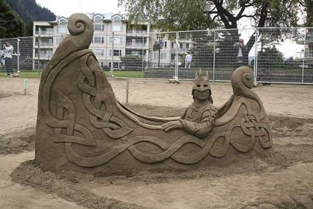 Highly-Realistic Sand Sculpture