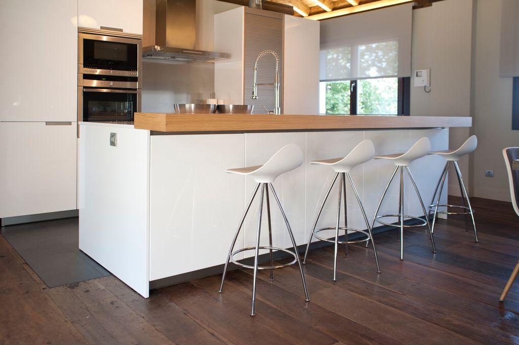 Banquetas de barra para cocinas madera buscar con google cocinas pinterest cocinas - Banquetas para cocina ...