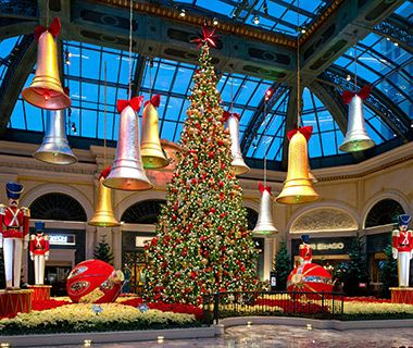 America s best hotels for christmas bellagio resort for When does las vegas decorate for christmas