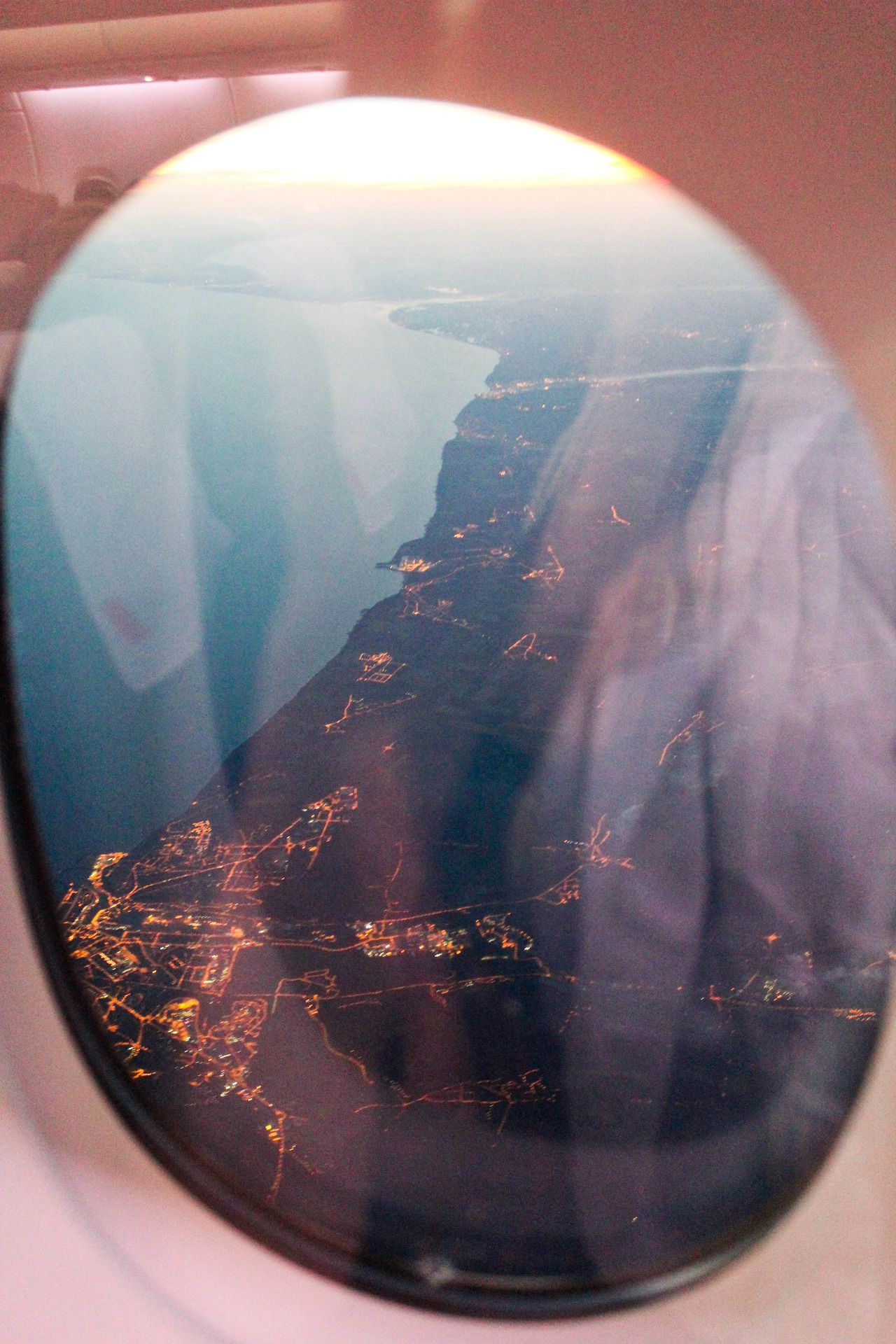 nothing is better than looking out of airplane windows