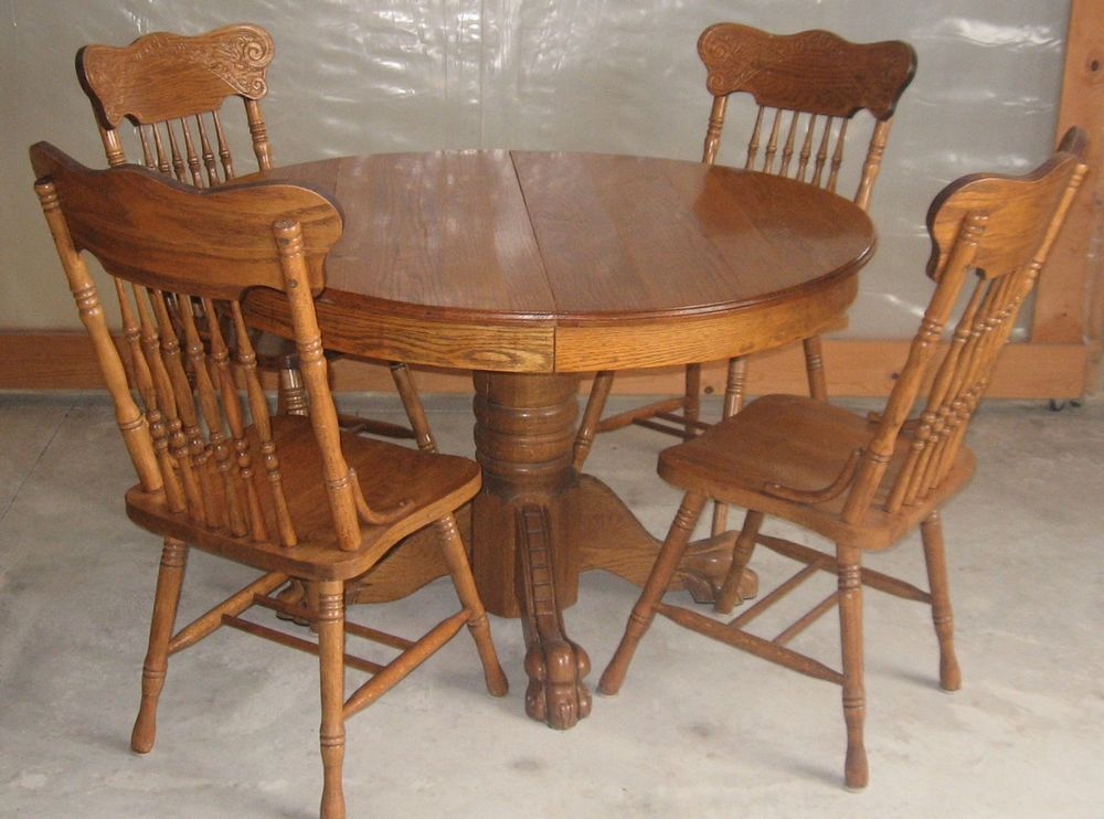 ANTIQUE 47 INCH ROUND OAK PEDESTAL CLAW FOOT DINING ROOM TABLE WITH CHAIRS COLONIAL