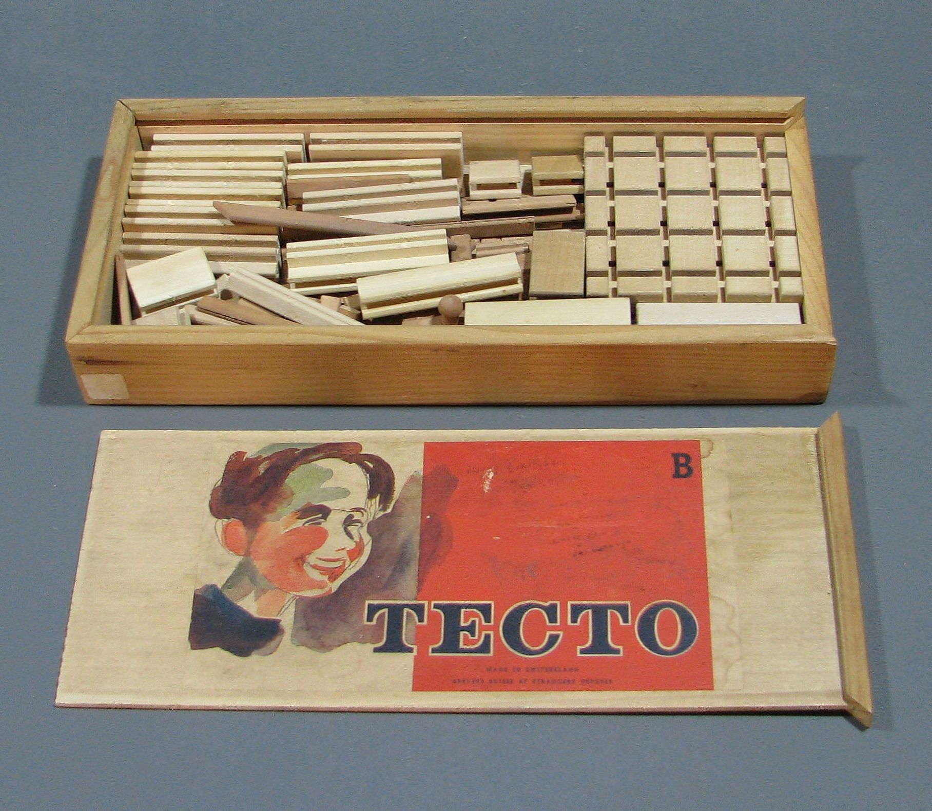 "tecto building set ""b"", boxed with instructions. switzerland"