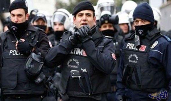 """توقيف سبعة عشر شخصا ينتمون لـ""""داعش"""" في…: أوقفت السلطات التركية، 17 شخصا بينهم 15 يحملون جنسيات أجنبية، خلال عمليات أمنية ضد تنظيم """"داعش""""…"""