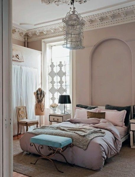 Romantic Bedroom in neutral colors- interior design ideas for own