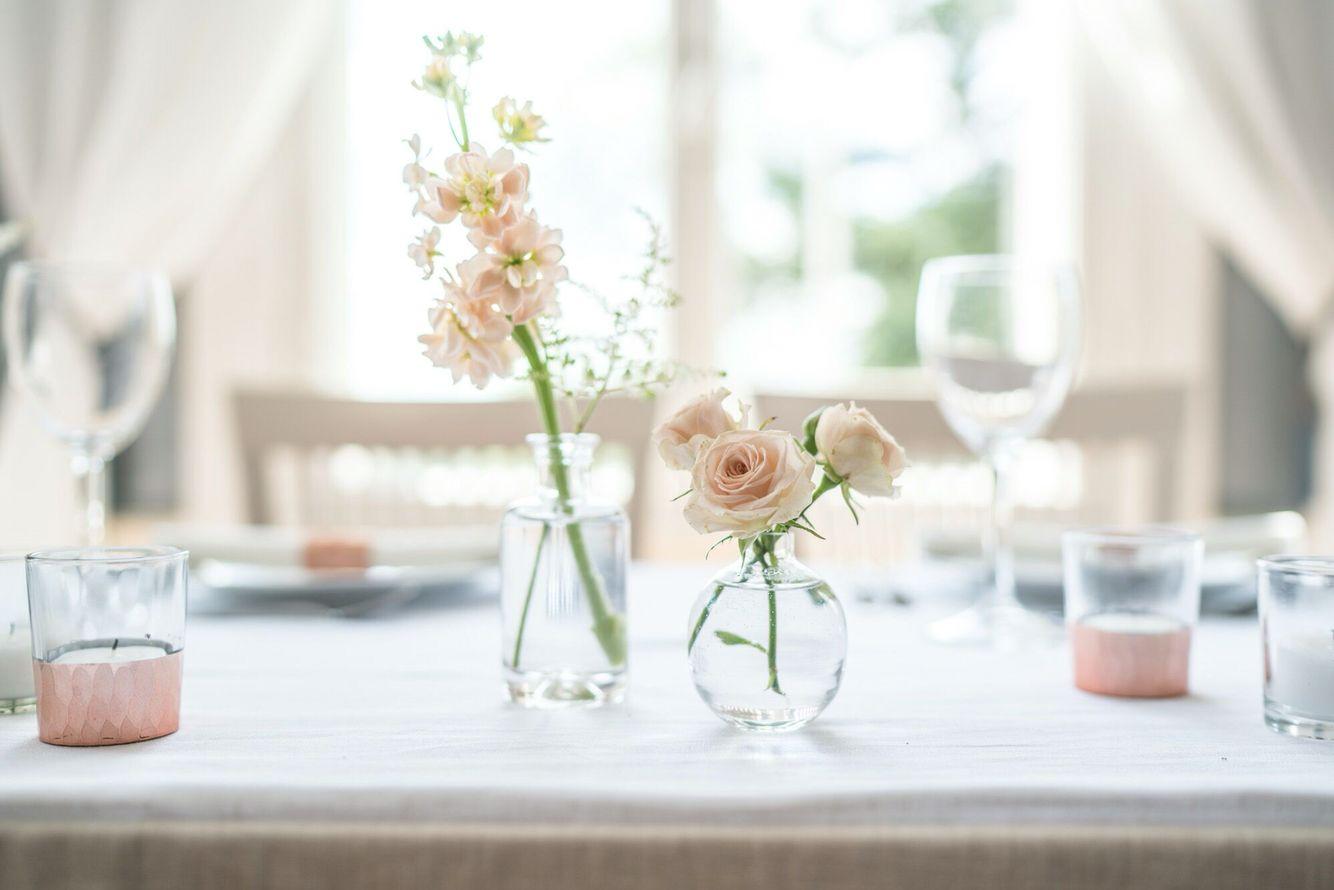 Mansion wedding flowers