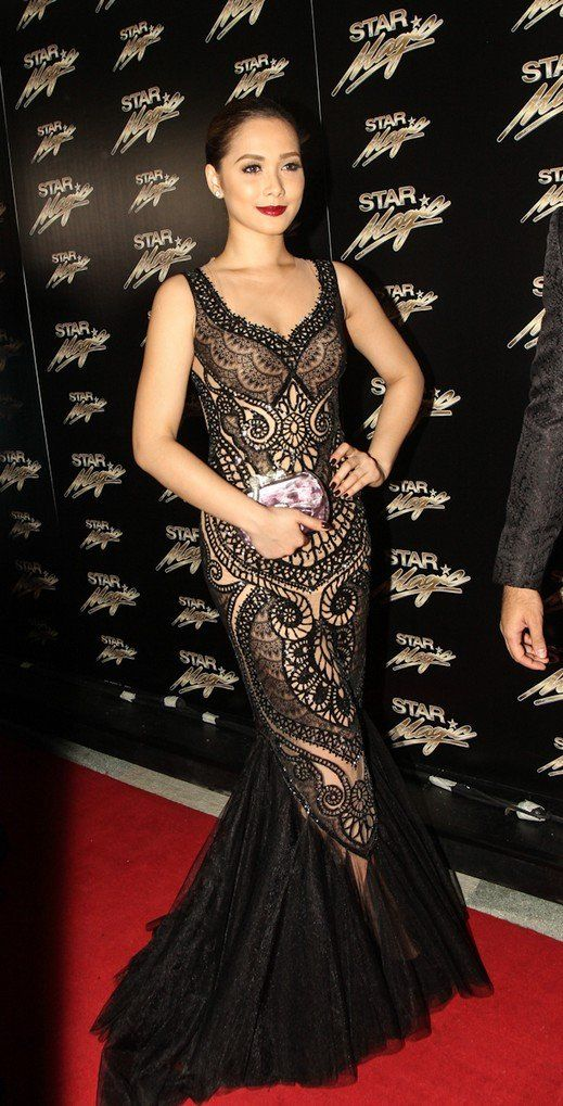 Maja Salvador in a classy lacey mermaid-tailed gown by Cary Santiago ...