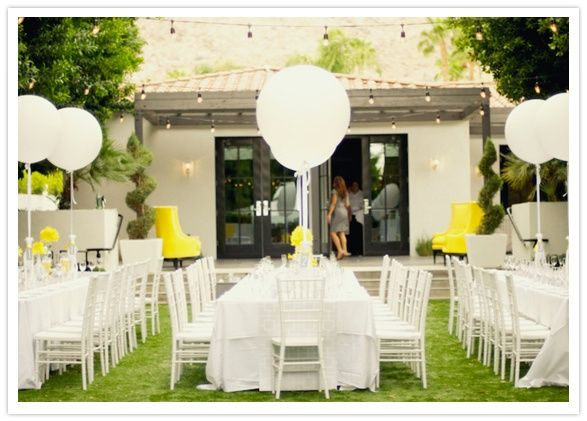 Giant 36 Helium Balloons Tied With Wedding Netting Make Great Centerpieces