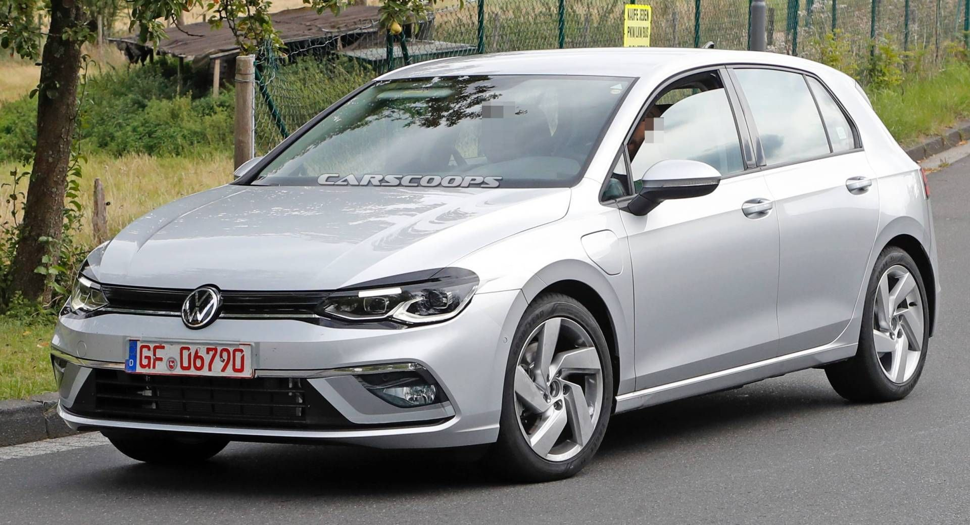 2020 Vw Golf Drops Almost All Camo In Gte Plug In Hybrid Guise Volkswagen Golf R Volkswagen Volkswagen Golf