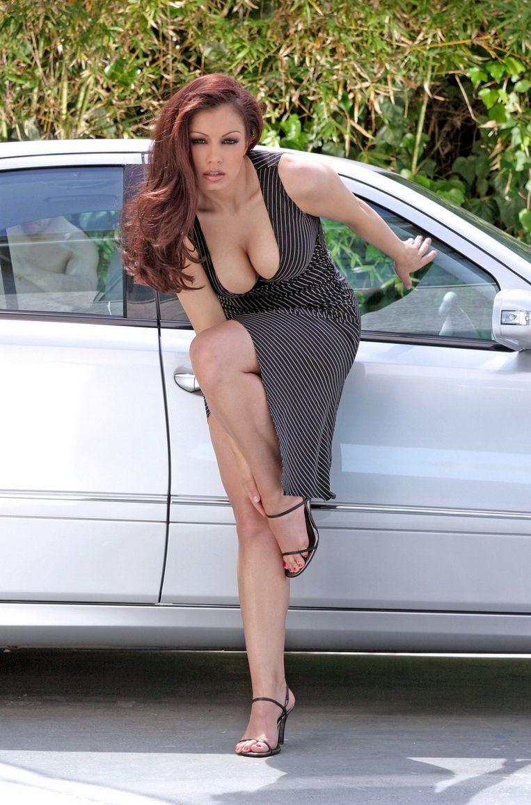 pingl par sergio moriconne sur sexy dress pinterest sexy voiture et s 39 habiller. Black Bedroom Furniture Sets. Home Design Ideas