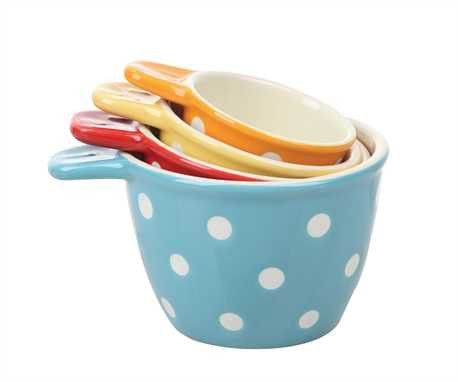 Everly Polka Dot Measuring Cups. How cute are these?! I want them all in my kitchen!