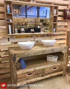Photo of Große rustikale Möbel für das Bad mit Paletten, Die Schubladen enthält, ein …