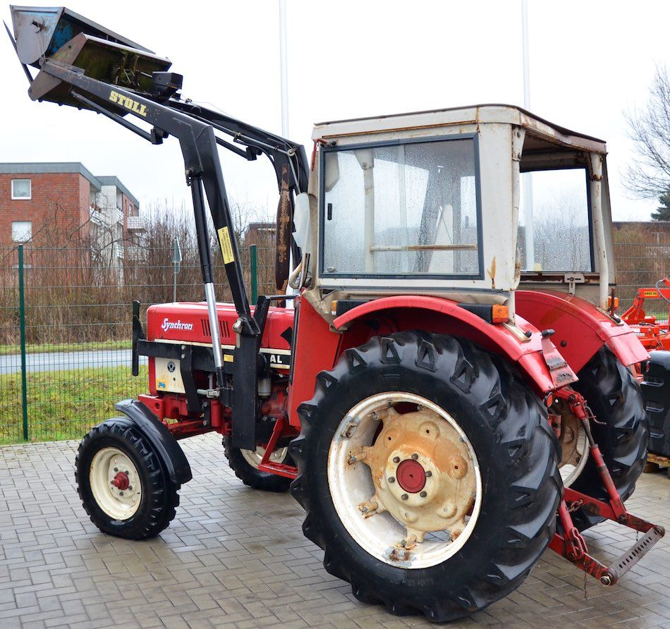 ihc 633 oldtimer traktor mit stoll frontlader oldtimer traktoren ihc 633 und traktor. Black Bedroom Furniture Sets. Home Design Ideas