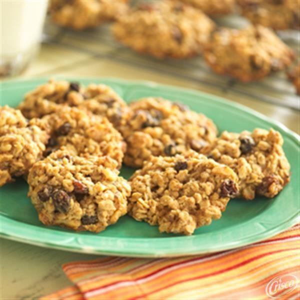 Chewy Oatmeal Raisin Nut Cookies Recipe Crisco Recipes Food Network Recipes Food