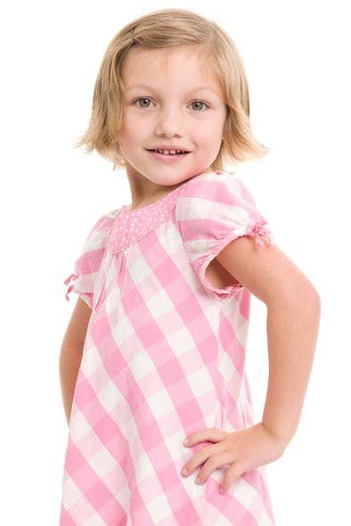 Photos : 20 coiffures courtes pour petites filles | Coupe cheveux fille, Coupe de cheveux et ...