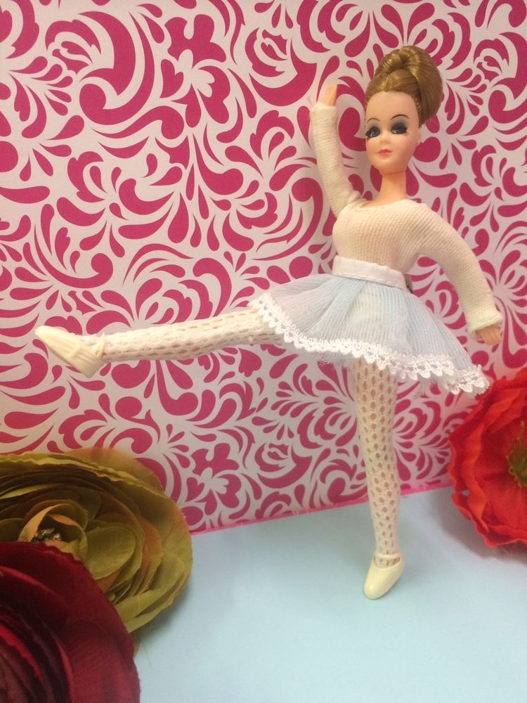 Dawn/Pippa Doll Sized Fashion Clothes -  Ballerina Outfit With Slippers