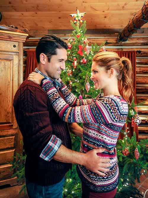 Candace Cameron Bure Stars In Christmas Under Wraps Hallmark Channel Christmas Movies Candace Cameron Candace Cameron Bure
