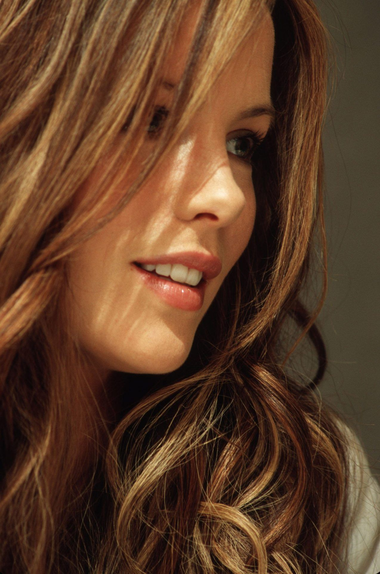 Kate Beckinsale Beautiful Women With Amazing Long Hair