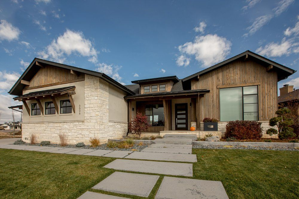 Contemporary Craftsman House in 2020 | Craftsman house ...