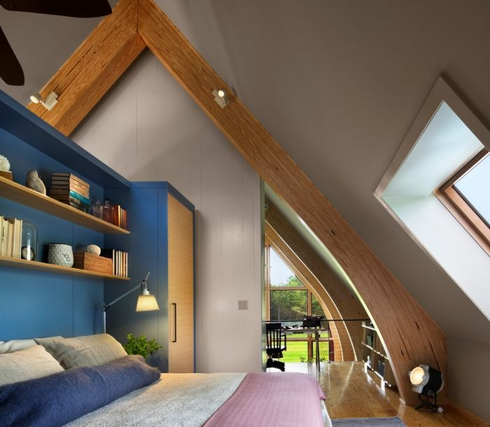 Jugendzimmer Schräge Fenster Holz Konstruktion Dekorativ Beleuchtung