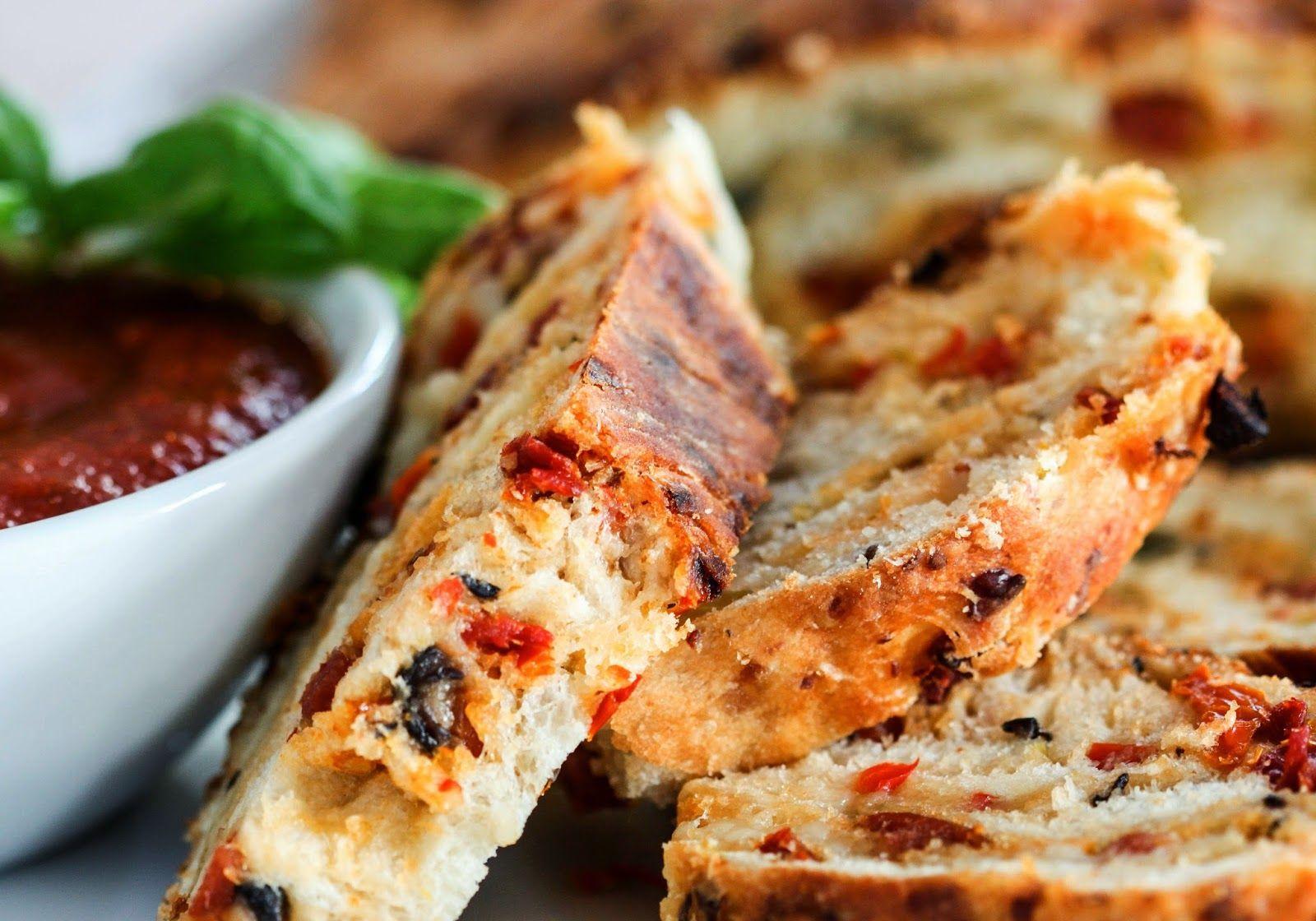 Na Cozinha da Margô: Pão Pizza Enrolado