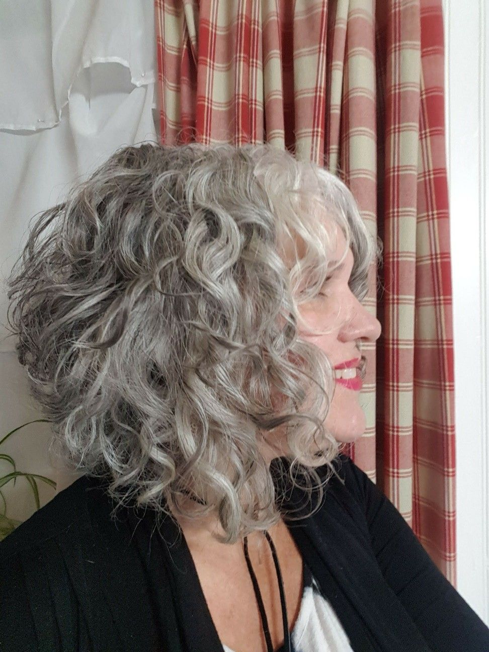 Angled Curly Bob In 2019 Grey Curly Hair Curly Silver