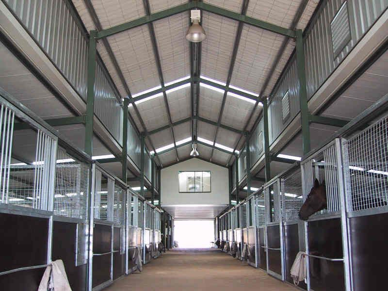 Prefabricated metal stable | Stable Interiors | Horse
