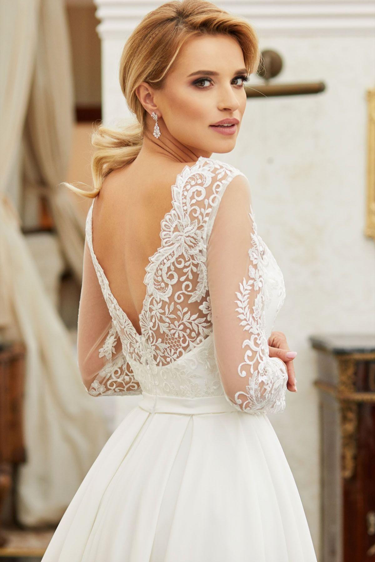 Asymetryczna Suknia Slubna Z Dlugim Rekawem Gracja I Pracownia Sukien Dama Couture Z Warszawy 2020 Wedding Dresses Trendy Wedding Dresses Dresses