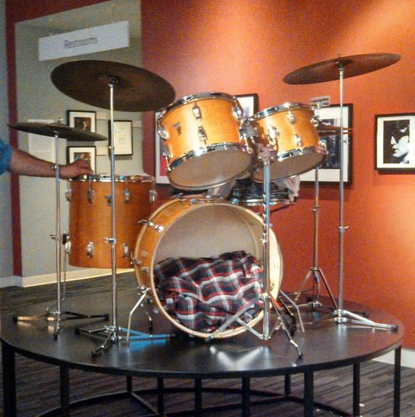 Ringo Starr Beatles Ludwig Hollywood Maple Drum Set