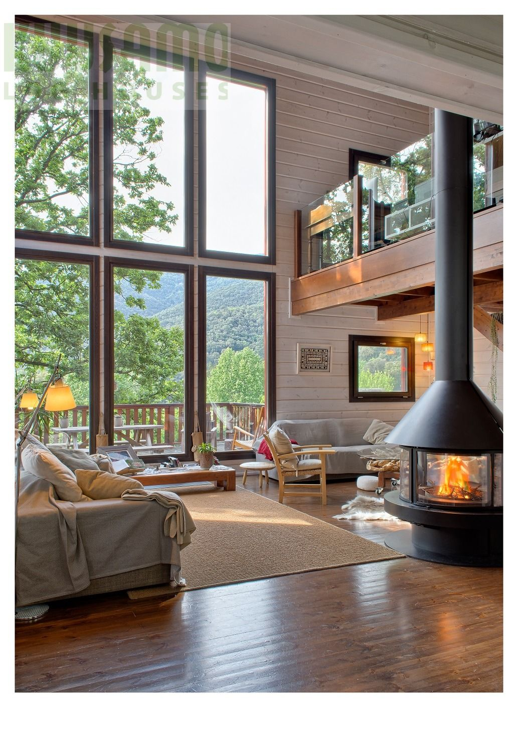 salón casa de madera Kuusamo Log Houses en la provincia de Barcelona ...