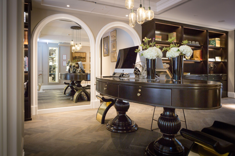 Sir Nikolai Hotel Hotels Verwaltungsgebaude Dachkonstruktion