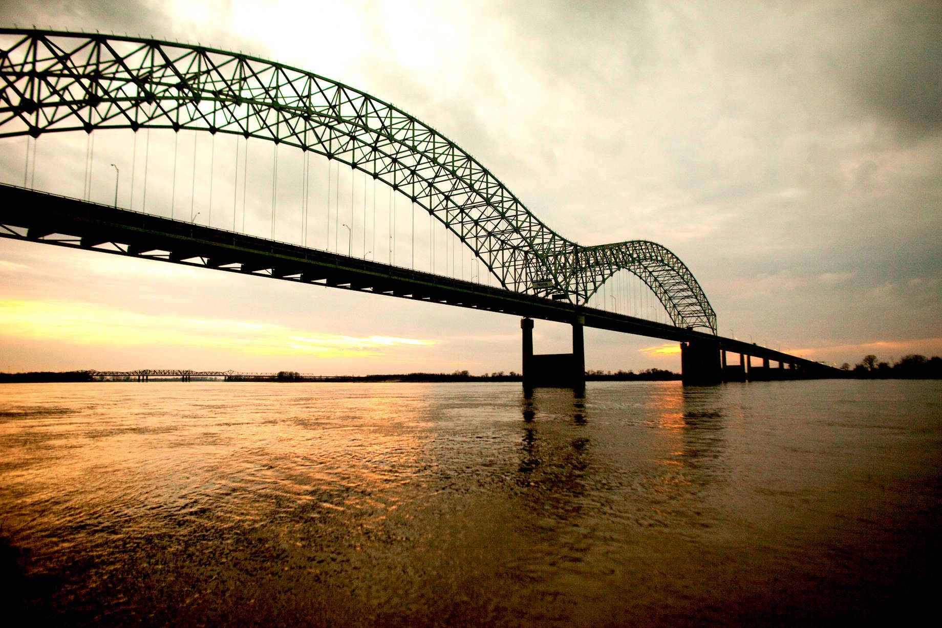 Jim West Memphis Tn Hernando De Soto Bridge In