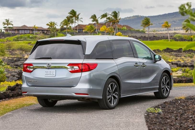 Minivans Are No More In Demand But The Sales Figures Tell A Completely Different Story Odyssey Is Honda S 25 Year O Honda Odyssey Honda Honda Odyssey Reviews